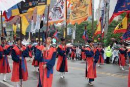 Hi-Seoul Festivalのパレード