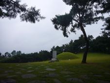 階伯将軍の墓