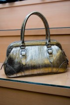 クロコダイルのバッグ(ゴールド)
