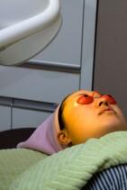 DIOTRONライト治療 : IPLやレーザーの前にライトを当て、皮膚の自己再生能力を高めます。