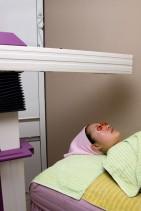 DERMALIGHT : ライトを照射することで、皮膚を沈静し、自己治癒能力を高めます。