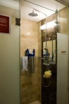 シャワールーム2.