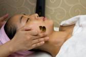 天然薬草針 : 自然なピーリング効果によって、澄んだ肌と滑らかな皮膚が手に入ります