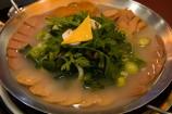 スープを注ぎます