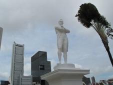 ラッフルズ卿彫像