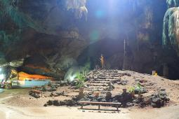 ジョムポン洞窟