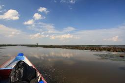 タレー・ノーイ湖