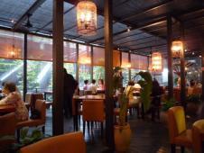 鳥楼・香港茶餐庁