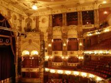 イングリッシュ・ナショナル・オペラ