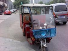 中国のオート3輪タクシー