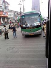 西安郊外の路線バス