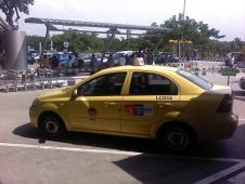 ジャカルタのタクシー事情