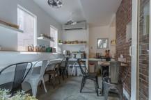 2nd Casa 1階の朝食スペース