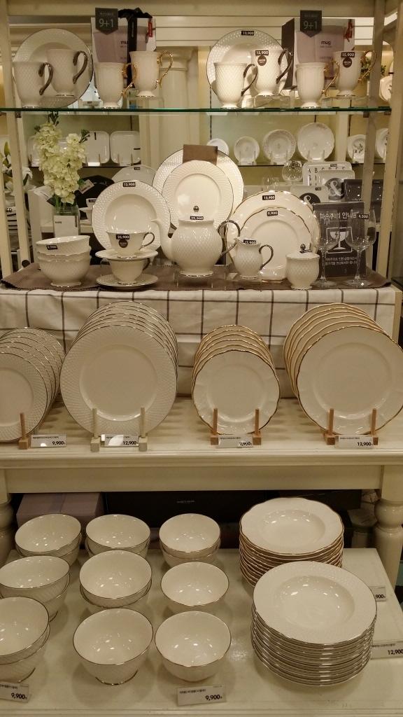 新婚さんにおススメのシンプルな食器セット