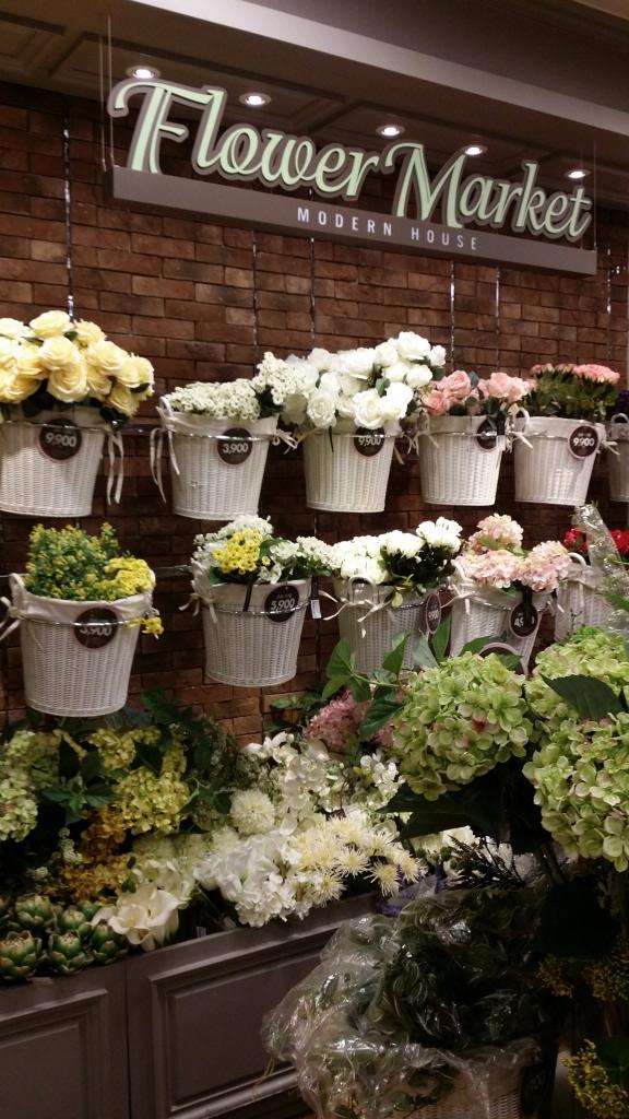 お部屋に飾ると華やかになる造花