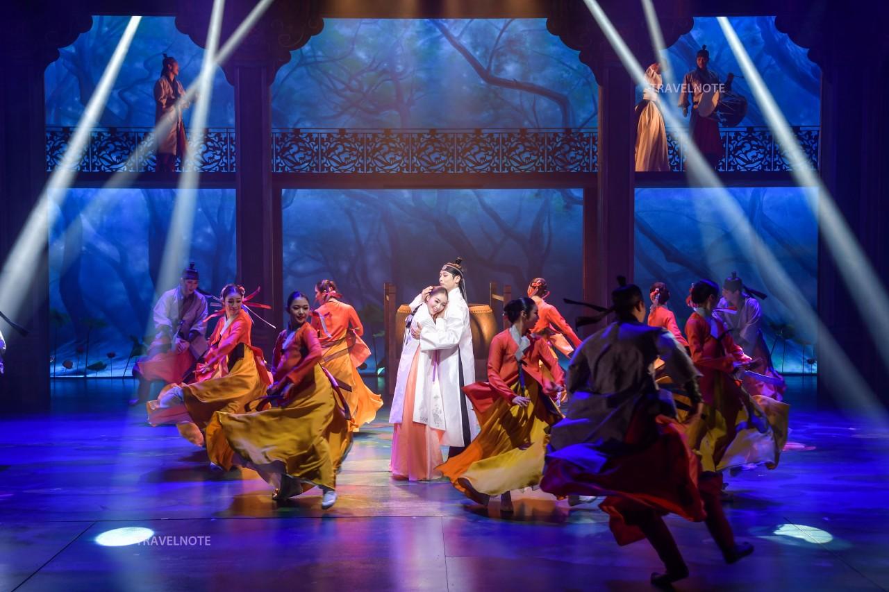 貞洞劇場伝統公演「宮」